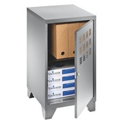 Opbergkastje bureauhoogte aluminium.