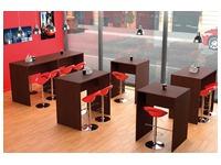Pack hoge tafel Illo 4 pers + 4 krukjes Dollo rood